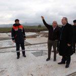 Sungurlu Belediye Başkanı Abdulkadir Şahiner, Derekışla Köyü arazisine yapılan 40 bin ton kapasiteli siloyu inceledi. | Sungurlu Haber