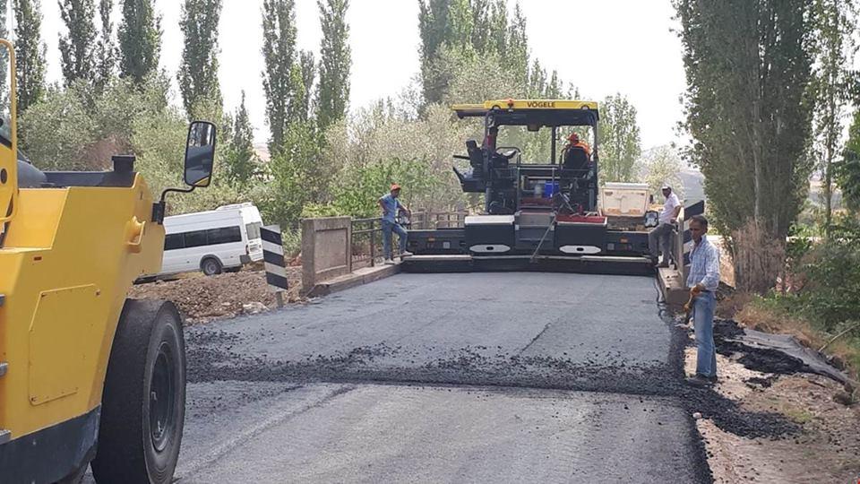 İlçemize bağlı Derekışla-Sarıkaya-Alembeyli grup yolunda 3 kilometrelik bitümlü sıcak karışım asfalt çalışmalarının tamamlandığı bildirildi. | Sungurlu Haber