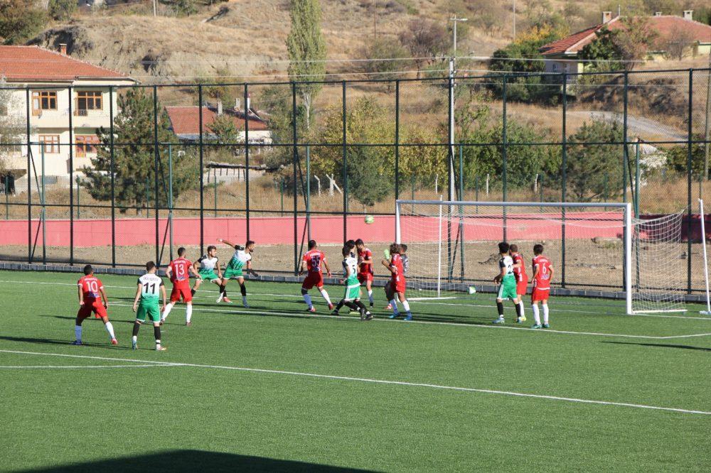 Bölgesel Amatör Ligi 3. maçında sahasında Havza Belediyespor'u konuk eden Sungurlu Belediyespor karşılaşmadan 1-1 beraberle ayrılarak puanını 5'e yükselti. Maçın tamamını sitemizden izleyebilirsiniz.   Sungurlu Haber