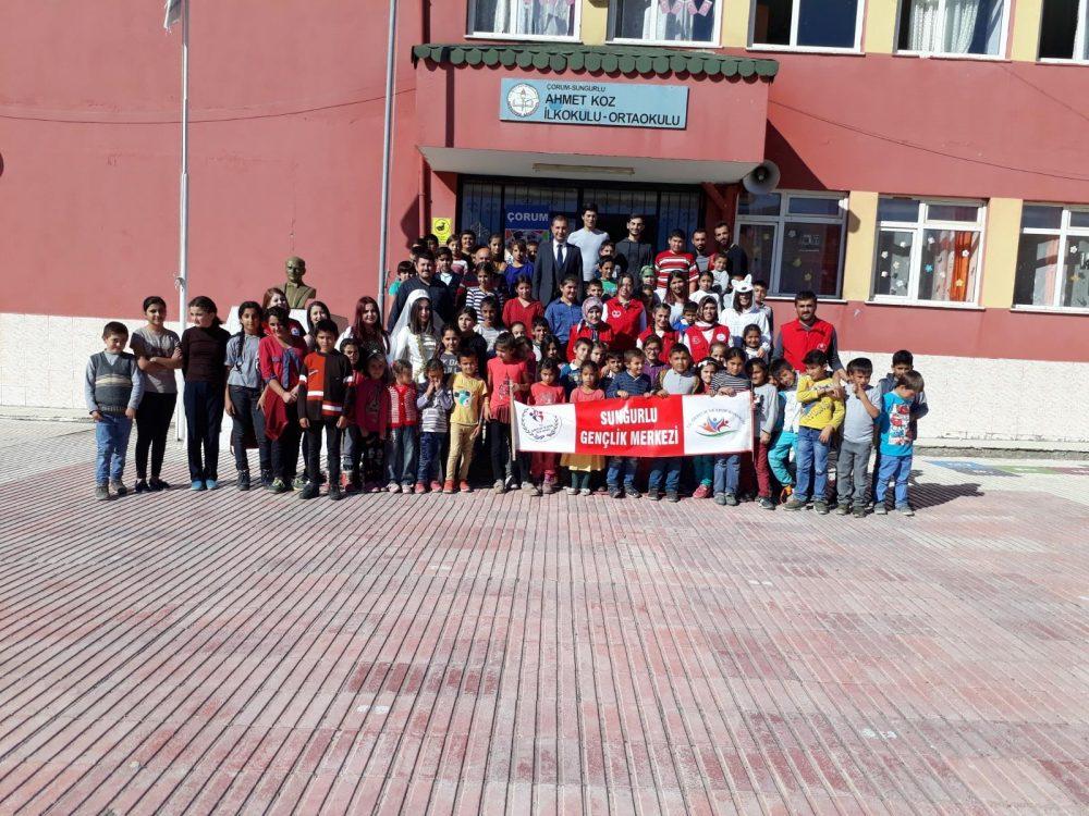 Sungurlu Gençlik Merkezi, Hacı Osman köy okulunu ziyaret ederek gençlerle gün boyu dolu dolu eğlenceli bir gün geçirdiler. | Sungurlu Haber