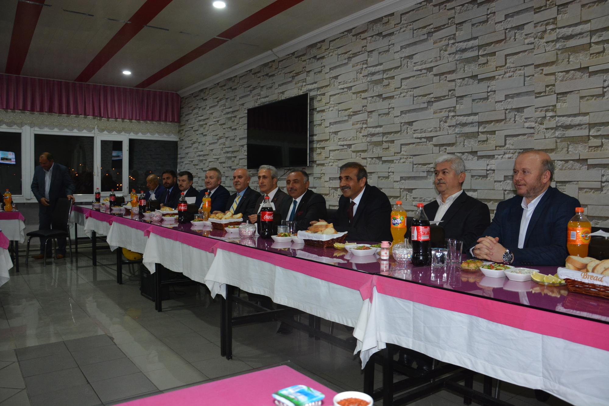 Ak Parti Birlik ve Beraberlik Yemeğinde Bir Araya Geldi » Sungurlu Haber