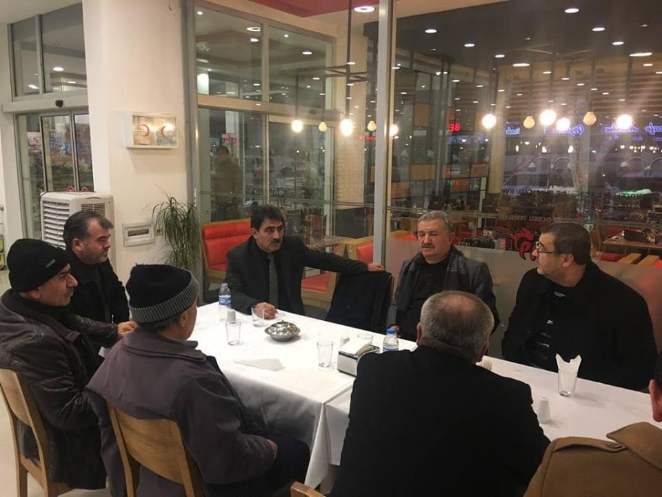Milliyetçi Hareket Partisi Sungurlu İlçe Başkanı Yasin ŞAHİN İlçe Başkan yardımcıları, Milliyetçi Hareket Partisi Sungurlu Belediye Başkan Adayı Şaban Köyhanoğlu, MHP Sungurlu Belediye Başkan Aday adayları ve önde gelen isimleri Ocaklı Dinlenme Tesislerinde bir araya gelerek, 31 Mart Yerel seçimleri öncesi birlik beraberlik ve istişare toplantısı gerçekleştirdiler. | Sungurlu Haber