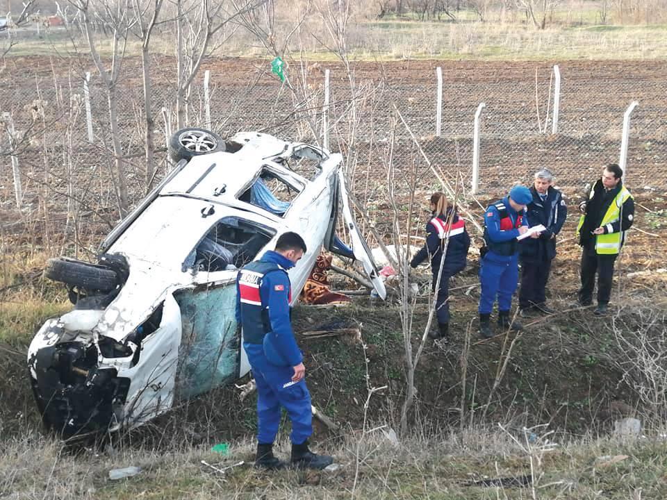 Sungurlu'da meydana gelen trafik kazasında yaralanan kadın yapılan tüm müdahalelere rağmen kurtarılamadı. | Sungurlu Haber