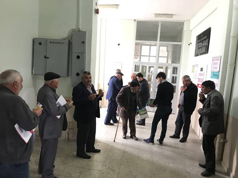 İlçemizde faaliyet gösteren Serbest Tarım Danışmanları Uzman Ziraat Mühendisi Muzaffer Gülünay ve Ziraat Yüksek Mühendisi Melih Basar Çiftçi seminerlerine devam ediyor. | Sungurlu Haber