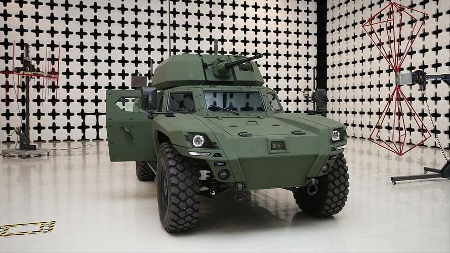 Otokar, ülkemizin ilk elektrikli zırhlı aracı Akrep II'yi tanıttı. | Sungurlu Haber