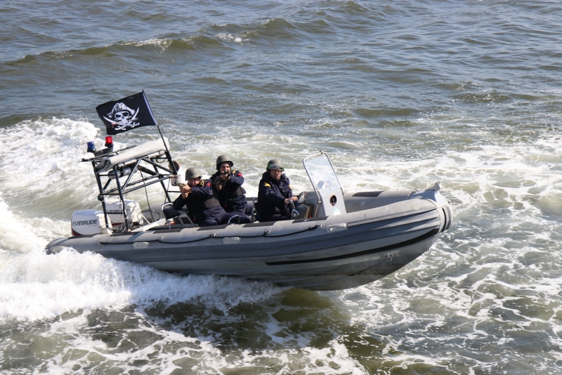Deniz Kuvvetleri Komutanlığınca 131 gemi, 57 uçak ve 33 helikopterle Anadolu'yu çevreleyen üç denizde eş zamanlı düzenlenen en büyük planlı tatbikatlardan Denizkurdu-2019 devam ediyor. | Sungurlu Haber