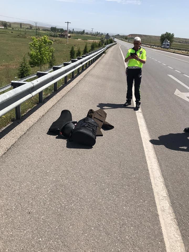 Sungurlu-Ankara karayolunda meydana gelen kazada 1 kişi yaralandı.   Sungurlu Haber