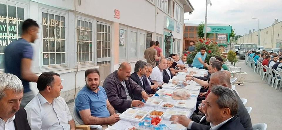 Sungurlu Sanayi Esnafı, Madeni Sanatkarlar Esnaf Odası'nın verdiği iftar yemeğinde bir araya geldi. | Sungurlu Haber