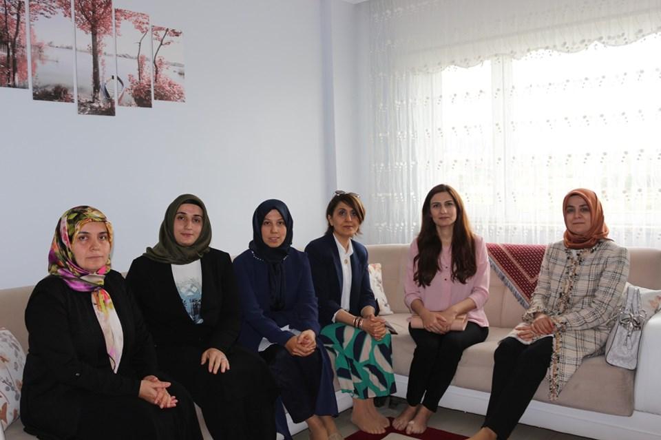 Çorum Valisi Mustafa Çiftçi'nin Eşi Azime Çiftçi, eğitim kurumlarında çeşitli ziyaretlerde bulunmak üzere Sungurlu'yu ziyaret etti. | Sungurlu Haber