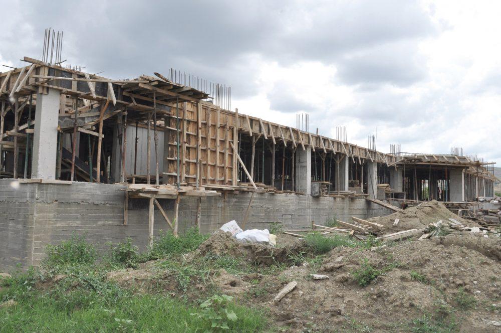 Sungurlu İlçe Stadyumunun yanına yapılan Hafızlık Kur'an Kursu inşaatı hızla yükseliyor. | Sungurlu Haber
