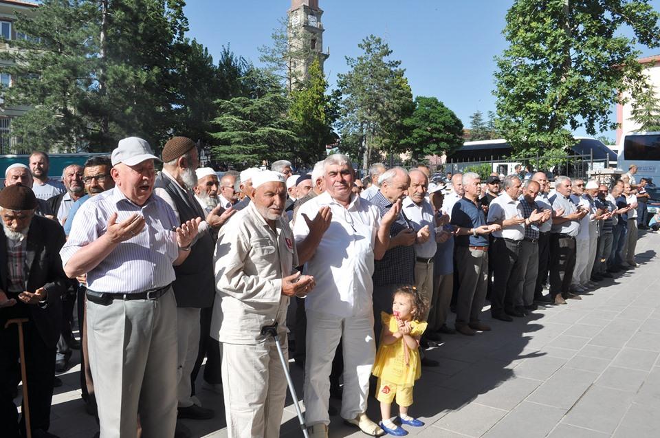 Sungurlu'da ilk Hac kafilesi dualarla kutsal topraklara uğurlandı. | Sungurlu Haber