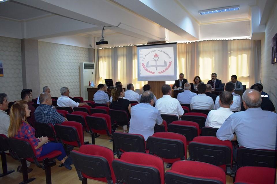 İlçemizde 2019-2020 eğitim ve öğretim yılı Okul Güvenliği ve Madde Bağımlılığı ile Mücadele toplantısı yapıldı. | Sungurlu Haber
