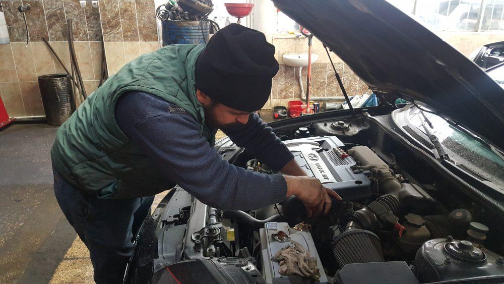 Kış aylarının gelmesi ile birlikte araçlara yapılması gereken bazı bakımlar yapılmadığı zaman, ciddi hasarların ortaya çıkabileceği belirtiliyor. Türkiye'de yaklaşık 23 milyon trafiğe kayıtlı araç sayısı, trafikteki yerini korurken araçların bakımları ciddi önem arz ediyor. | Sungurlu Haber