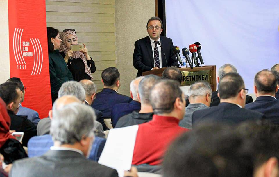 Basın İlan Kurumu (BİK) tarafından organize edilen Karadeniz Bölgesi Çevrimiçi Gazetecilik İstişare ve Değerlendirme toplantısı Samsun'da düzenlendi. | Sungurlu Haber