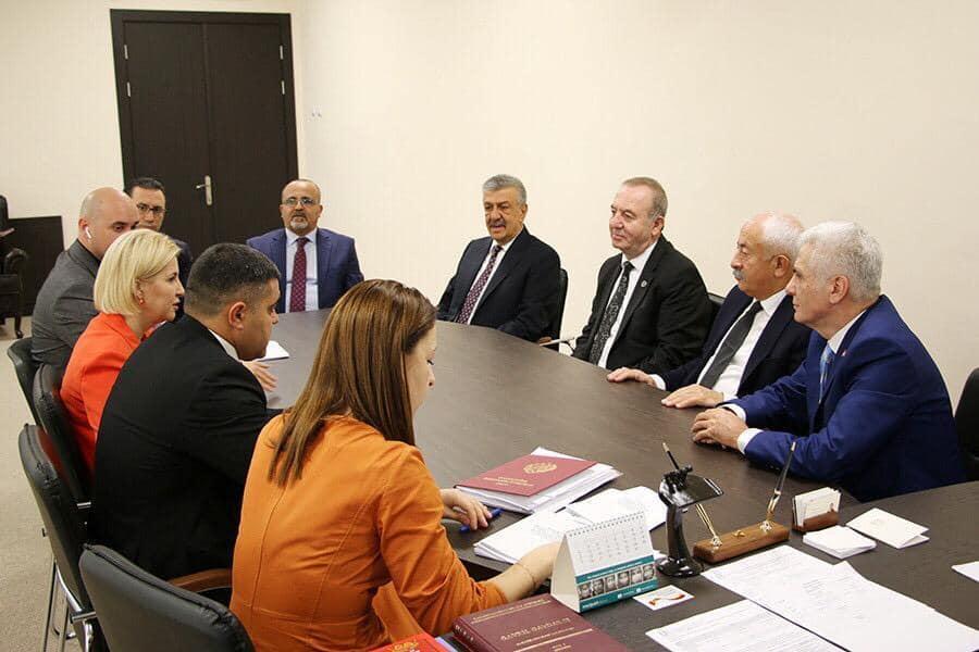 Sungurlu Belediye Başkanı Abdulkadir Şahiner çeşitli ziyaretlerde bulunmak üzere Gagavuzya Özerk Cumhuriyetine gitti. Başkan Şahiner Gagavuzya Özerk Cumhuriyeti Başkanı İrina Vlah ile görüştü. | Sungurlu Haber