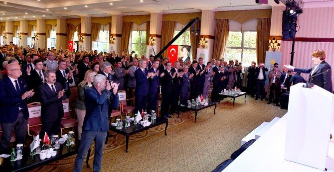 Sungurlu Belediye Başkanı Abdulkadir Şahiner, İYİ Parti'nin Antalya'nın Kemer ilçesinde düzenlenen 1. Yerel Yönetimler Çalıştayı'na katıldı.   Sungurlu Haber