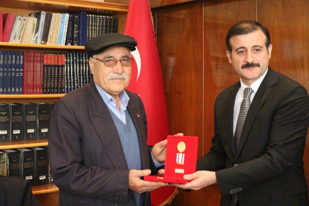 Sungurlu'da Kıbrıs Barış Harekatı'na katılan 10 gaziye madalya ve berat belgeleri takdim edildi. | Sungurlu Haber