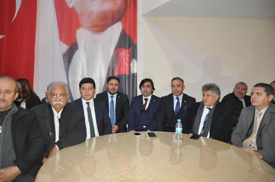 Cumhuriyet Halk Partisi (CHP) Sungurlu İlçe Başkanlığı olağan kongresi yapıldı. 146 delegenin bulunduğu ve 2 adayın başkanlık için yarıştığı seçimlerde mevcut Başkan Ali Erayhan yeniden seçilerek güven tazeledi. | Sungurlu Haber