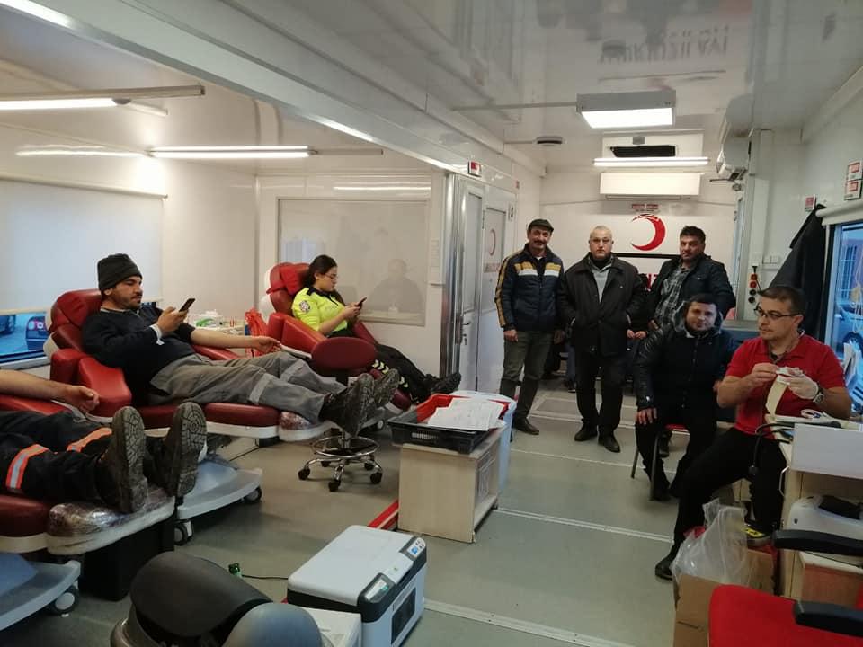 Sungurlu Belediye Başkanlığı öncülüğünde, Kızılay ve İlçe Sağlık Müdürlüğü işbirliği ile başlatılan Kan, Kök Hücre ve Organ Bağışı kampanyası çerçevesince 4 günde toplam 344 ünite kan toplanırken, 119 kişi kök hücre ve 36 kişi de organ bağışında bulundu. | Sungurlu Haber