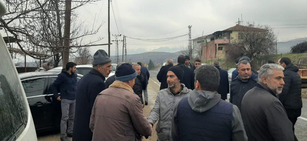 Sungurlu Belediye Başkanı Abdulkadir Şahiner, Elazığ'ın Sivrice ilçesinde 6.8 büyüklüğünde meydana gelen ve depremin şiddetli hissedildiği Malatya'nın Doğanyol ilçesine ziyarette bulundu. | Sungurlu Haber