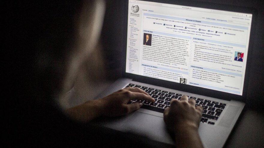 Anayasa Mahkemesi gerekçeli kararı açıkladı. Karar Bilgi Teknolojileri ve İletişim Kurumu'na (BTK) ulaşınca Wikipedia açılacak.   Sungurlu Haber