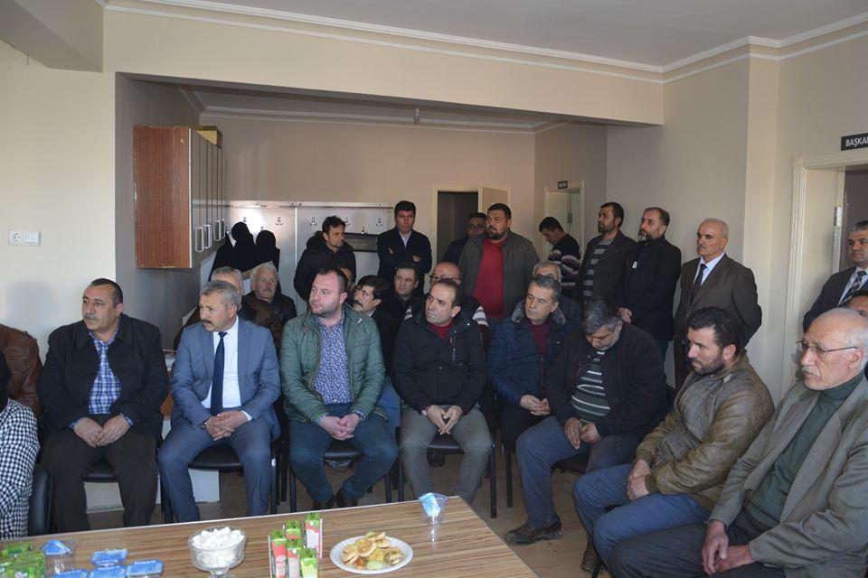 Sungurlu Belediye Başkanı Abdulkadir Şahiner, Başkan yardımcıları ve meclis üyeleriyle birlikte İYİ Parti İlçe Başkanı Dursun Kanmış'a ve yeni yönetime hayırlı olsun ziyaretinde bulundu. | Sungurlu Haber