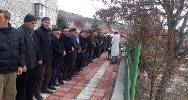 İdlib'te Esed rejiminin hava saldırısında şehit olan Kahraman Mehmetçiklerimiz için Sungurlu'da gıyabi cenaze namazı kılındı. | Sungurlu Haber