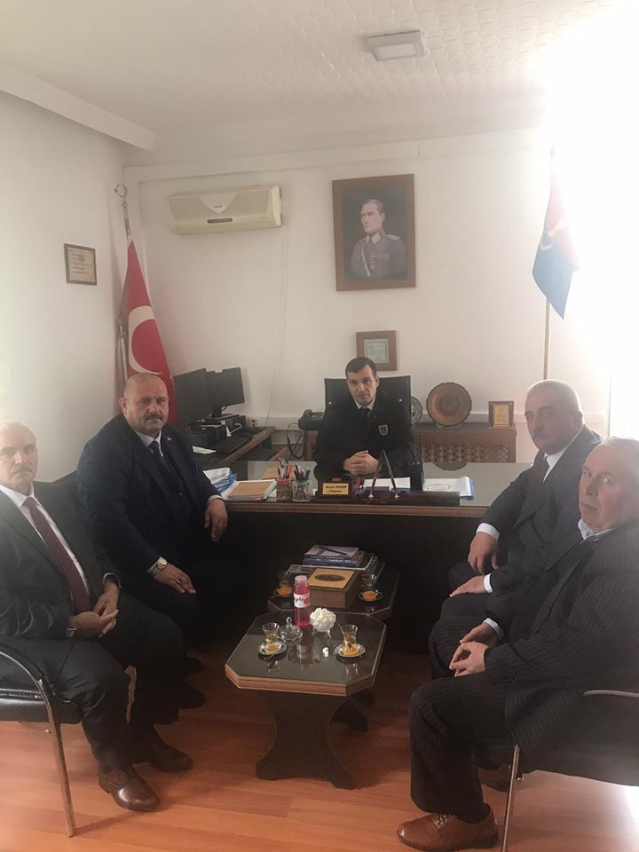 İYİ Parti Sungurlu İlçe Başkanlığına seçilen Dursun Kanmış, İl Genel Meclisi Üyesi Ercan Şahin ve yönetim kurulu üyeleriyle birlikte nezaket ziyaretlerinde bulundu.   Sungurlu Haber