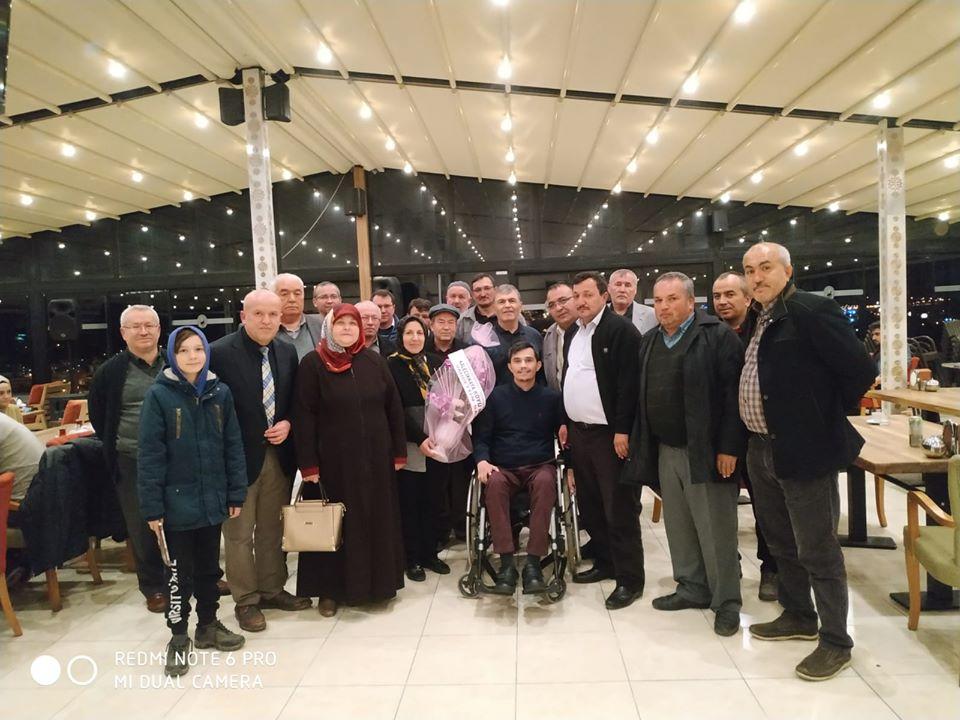 2016 yılında Diyarbakır Sur'da ağır yaralanan Çorum'un Alaca ilçesine bağlı Kalecikkaya nüfusuna kayıtlı Sur Gazisi Bahattin Seçkin, köylüleri ve Sungurlu halkı tarafından Sungurlu'da ağırlandı. | Sungurlu Haber