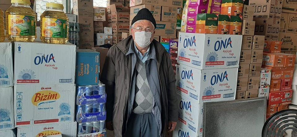 Sungurlu Belediye Başkanı Abdulkadir Şahiner'in öncülüğünde başlatılan yardım seferberliğine, destek çığ gibi büyüyerek devam etti. Son olarak Durmuş Ayılgan, oğlunun engelli maaşından ayırdığı parayla yardım kolisi bağışında bulundu. | Sungurlu Haber