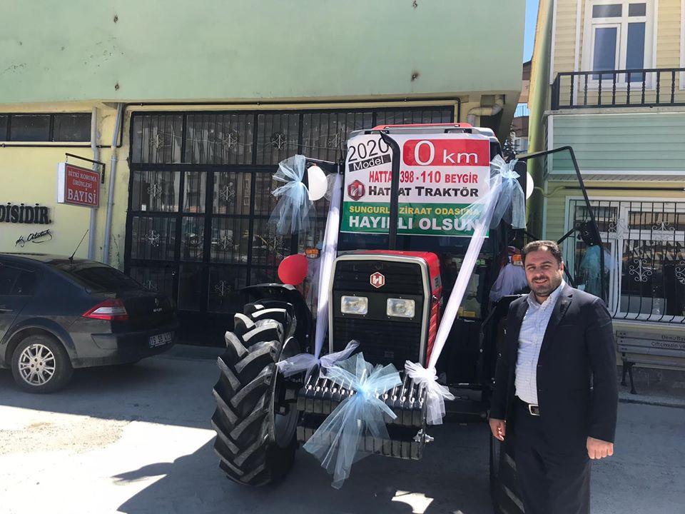 Sungurlu Ziraat Odası Başkanı Ramazan Kelepircioğlu, çiftçilerin talepleri doğrultusunda 2020 model sıfır kilometre traktör alarak çiftçilerin hizmetine sundu. | Sungurlu Haber