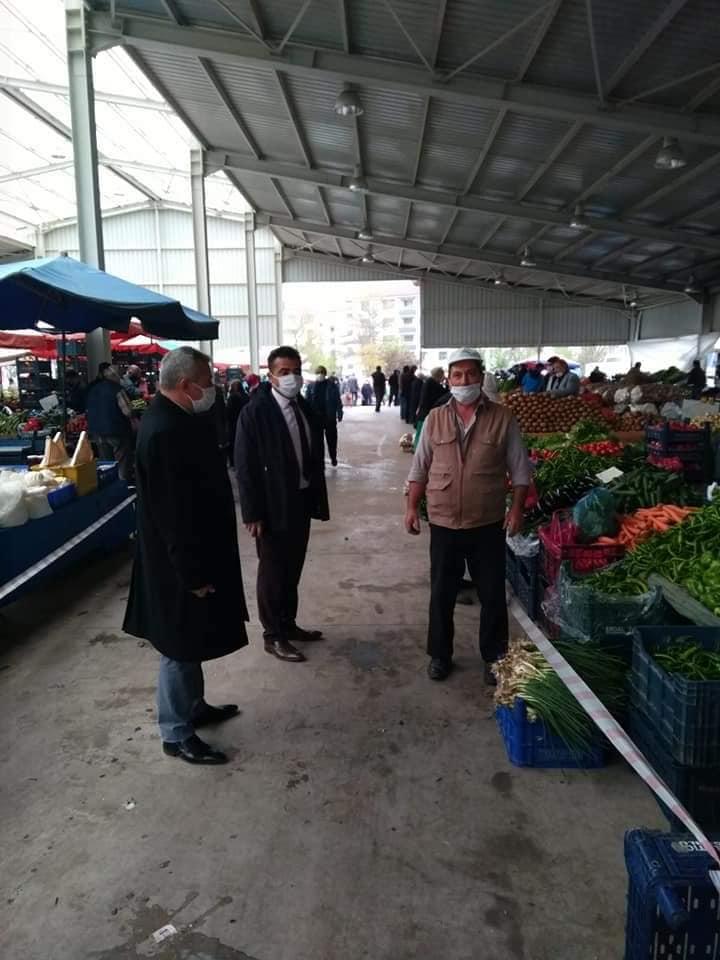Sungurlu Belediye Başkan Yardımcısı Mükremin Dağaşan, Perşembe pazarında denetleme yaptı. | Sungurlu Haber