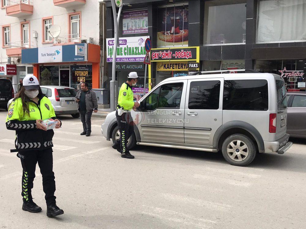 Sungurlu'da Sürücülere Maske ve Broşür Dağıtıldı »