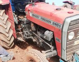 Sungurlu'da, tarla sürdüğü esnada devrilen traktörün altında kalan çiftçi hayatını kaybetti.   Sungurlu Haber