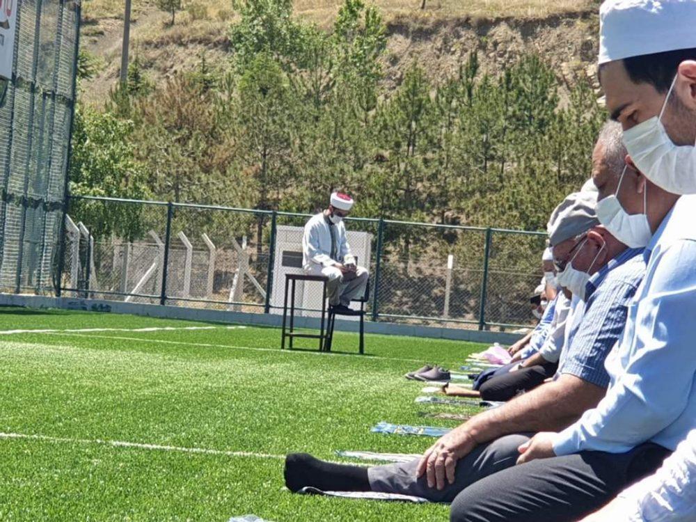 Cuma Namazında Stadyum Tıklım Tıklım Doldu | Sungurlu Haber