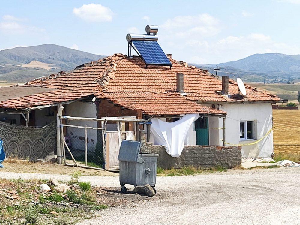Sungurlu'da Gürpınar Mahallesi'nde izolasyon kurallarına uyulmaması nedeniyle 5 hane karantina altına alındı. | Sungurlu Haber