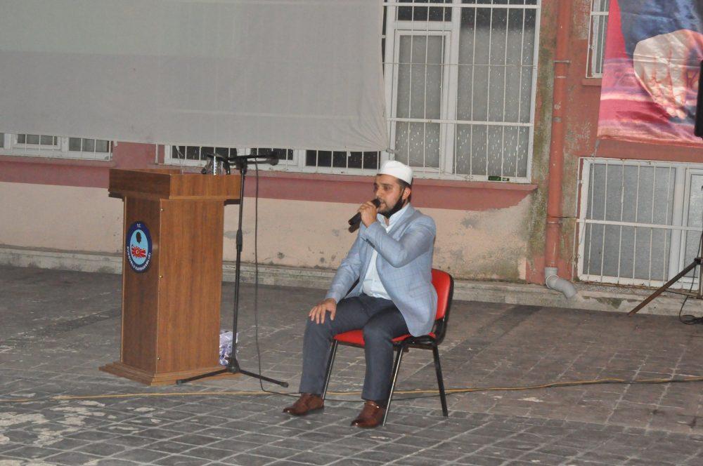 15 Temmuz Demokrasi ve Milli Birlik Günü münasebetiyle Atatürk Meydanı'nda anma programı düzenlendi. | Sungurlu Haber
