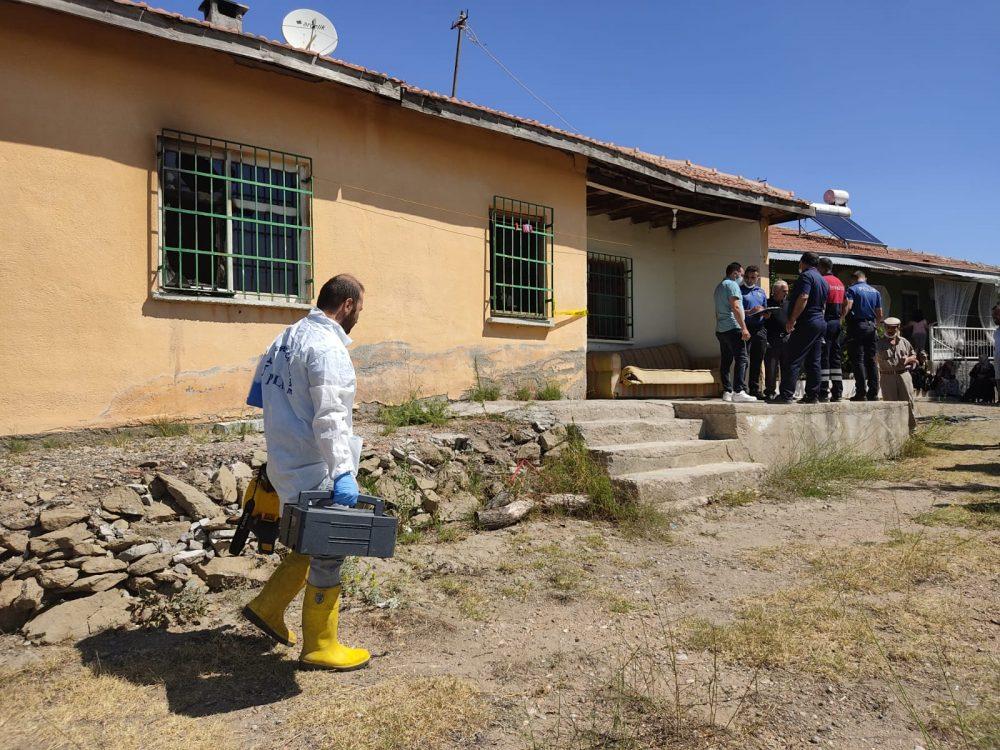 Sungurlu'da engelli bir şahıs, yalnız yaşadığı evde çıkan yangında hayatını kaybetti.   Sungurlu Haber