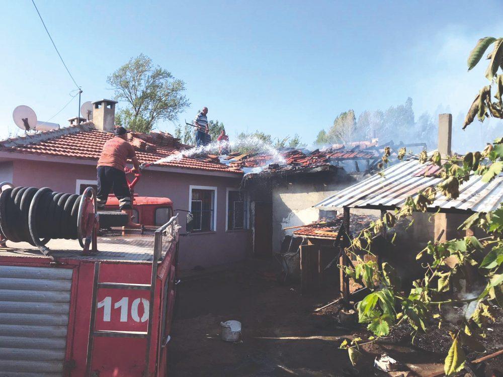 Tandırlık Yangını Korkuttu » sungurlu haber, sungurlu yangın, tandırlık, yangın