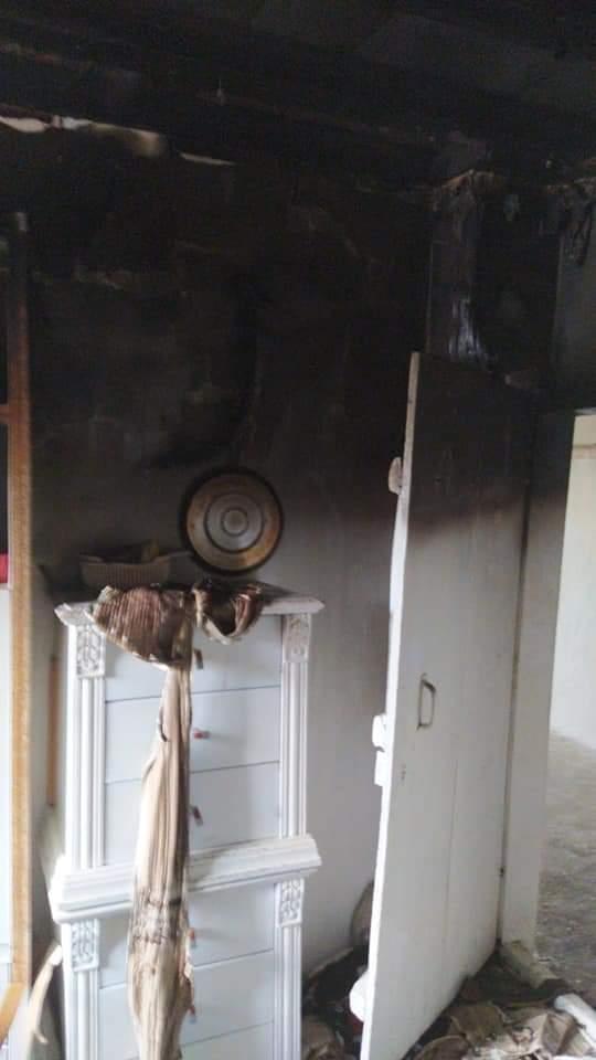 Mutfakta unutulan yemek yangın çıkardı. Akdere Köyünde Sinan Kirhan'a ait evde meydana gelen olayda ev sahibinin yangını erken farketmesi sonucu Sungurlu Belediyesi İtfaiye ekiplerinin müdahalesi sonucu yangın büyümeden söndürüldü.   Sungurlu Haber