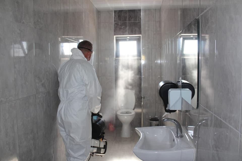 Sungurlu Belediye Başkanlığına ait sosyal tesislerde dezenfektan çalışmaları aralıksız devam ediyor. | Sungurlu Haber
