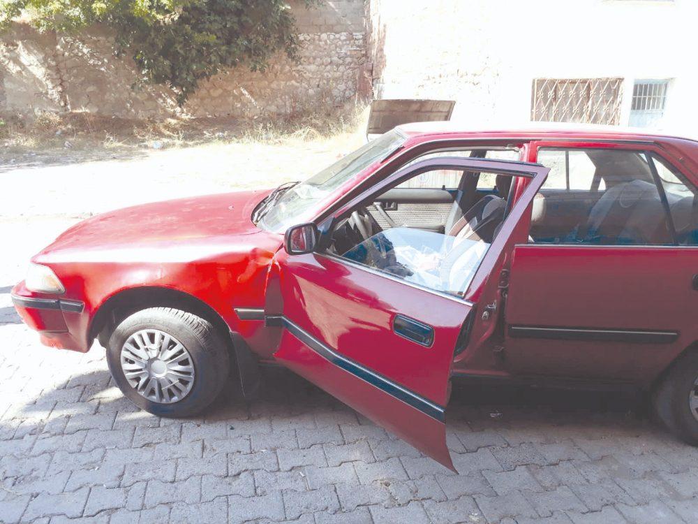 Geri Kaçırdığı Aracın Kapısına Sıkıştı » çorum, çorum haber, kaza, Otomobil, sungurlu haber, sungurlu kaza