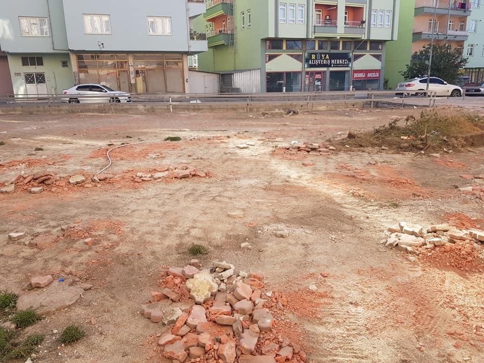 Sungurlu Belediye Başkanı Abdulkadir Şahiner, Sungurlu Belediyesi ilçede başlattığı yol yapım çalışmalarına hız kesmeden devam ediyor.