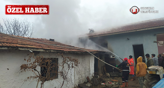 Sungurlu Belediyesi İtfaiye Müdürlüğü'ne bağlı ekipler her yıl olduğu gibi bu yılda yangından yangına koştu. Ekiplerin 2020 yılında toplam 272 yangına müdahale ettiği bildirildi. | Sungurlu Haber