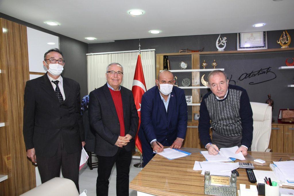 Sungurlu Belediyesi'nde işçilerin alacağı ücretler konusunda Belediye –İş Sendikası ile yapılan görüşmeler neticelendi ve toplu sözleşme imzalandı. | Sungurlu Haber
