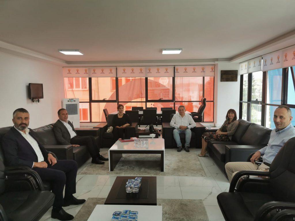 AK Parti Çorum Milletvekili ve MKYK Üyesi Ahmet Sami Ceylan, yaptığı girişimler neticesinde proje hazırlayan 10 derneğe 2020 yılı içerisinde 90 bin TL'lik bir destek sağlandığını açıkladı. | Sungurlu Haber