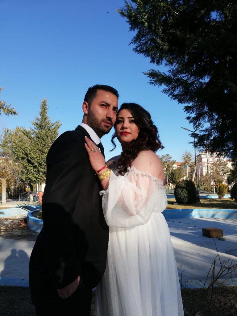 Sungurlu Televizyonu kameramanlarından Haydar Gezgin, Buket Gün ile sade bir nikah töreni ile dünya evine girdi.