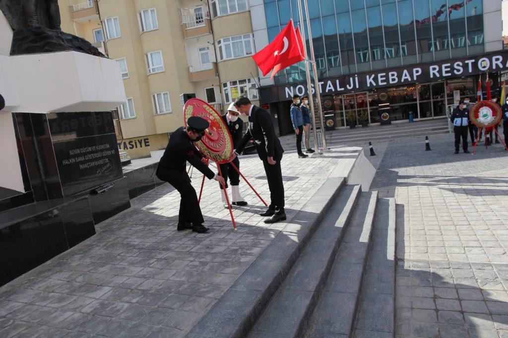 Sungurlu'da Çanakkale Zaferi'nin 106. yıldönümü ve 18 Mart Çanakkale Şehitlerini Anma Günü etkinlikleri düzenlendi. | Sungurlu Haber