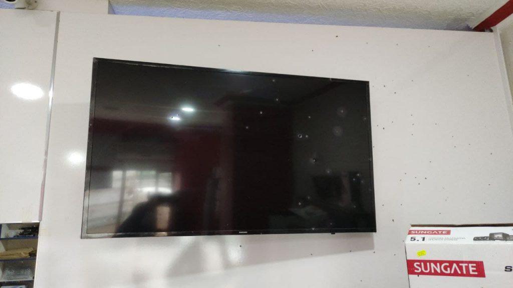 Sungurlu'da bir işyeri 15 gün arayla ikinci kez saldırıya uğradı. Polis, kapalı olan işyerini kurşunlayan o zanlıların peşine düştü. | Sungurlu Haber