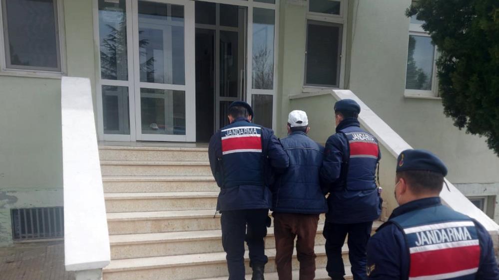 Kırıkkale'de aralarında alacak verecek meselesi bulunan bir kişiyi zorla kaçırarak evinde alıkoyan şahıs gözaltına alındı.   Sungurlu Haber
